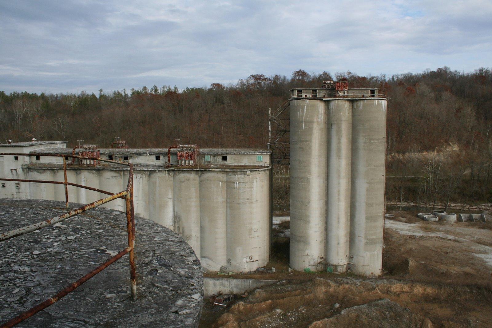 Portland Cement Plants : Abandoned cement plant zanesville oh